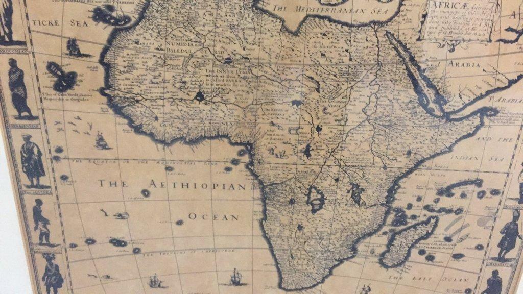 Pair Framed Maps Africa - 2