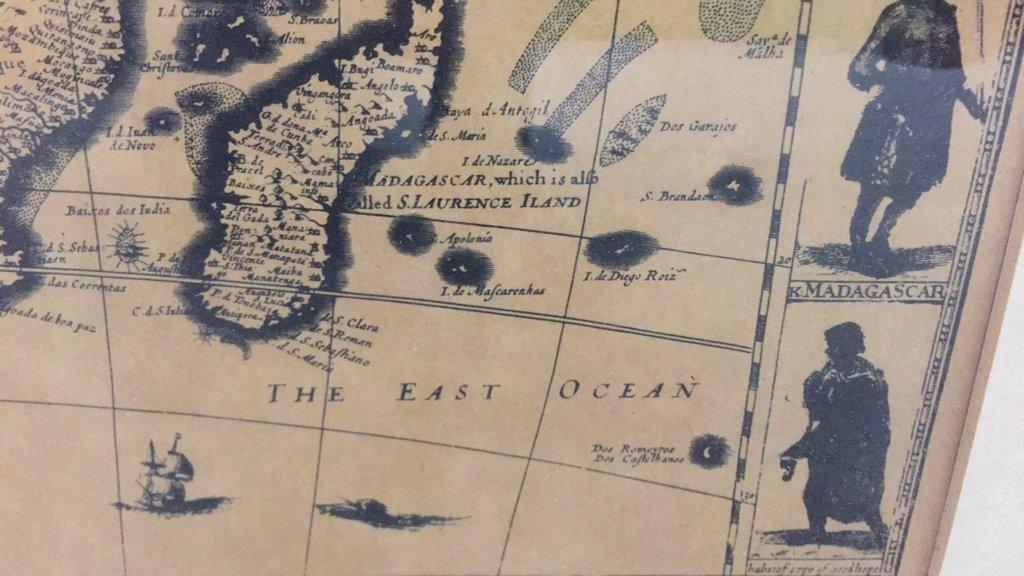 Pair Framed Maps Africa - 3