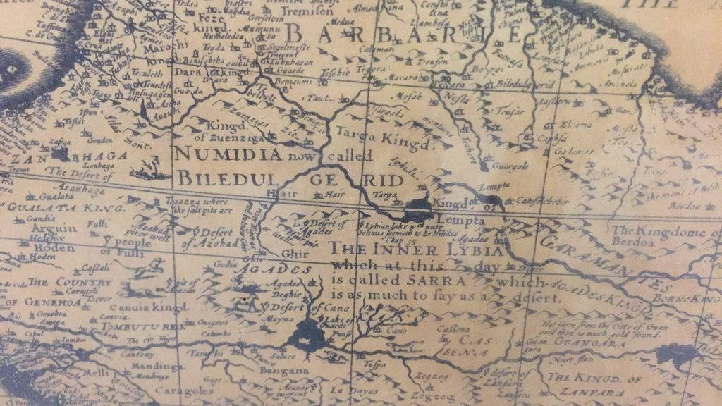 Pair Framed Maps Africa - 4