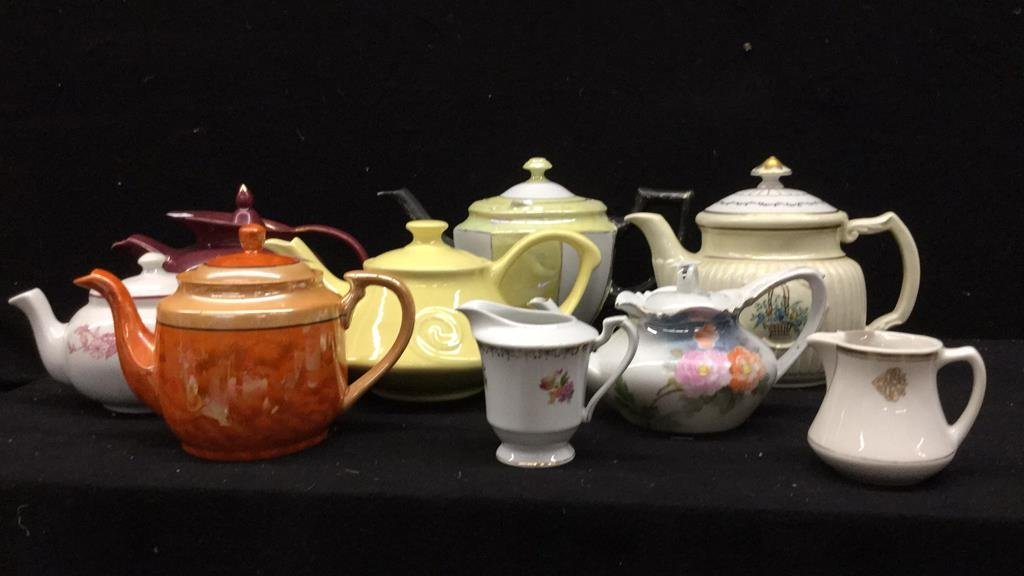 9 piece Teapot and Creamer Collection