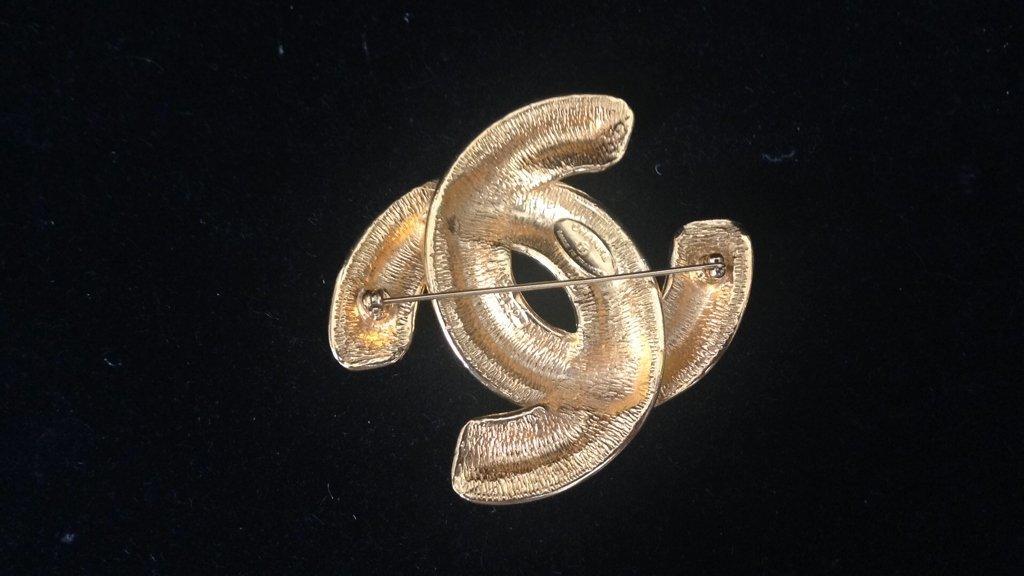 CHANEL Ladies Pin - 4