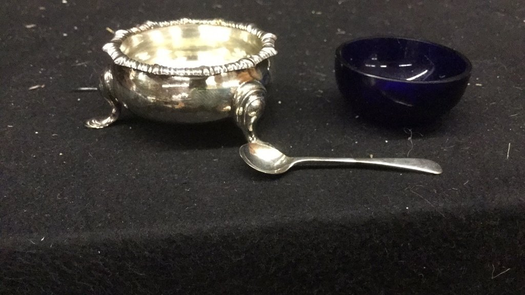 Hancock and Co. Sterling Silver Salt & Pepper Pots - 4