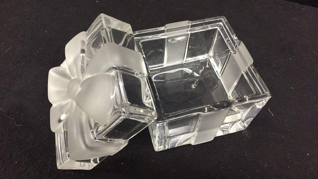 TIFFANY & CO Crystal Jewlelry Box w Bow - 4