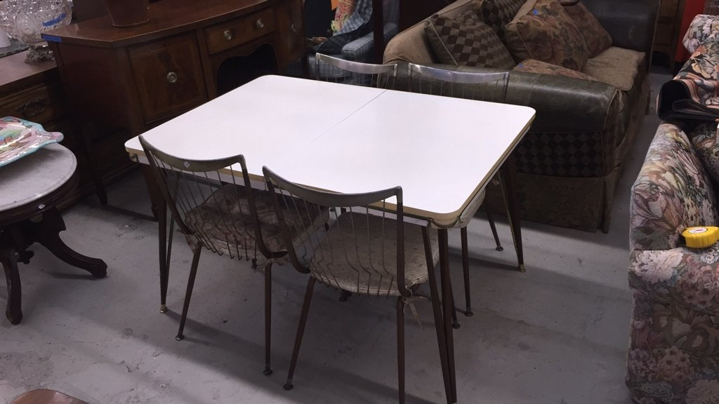 Mid Century Modern Table with 4 Chairs