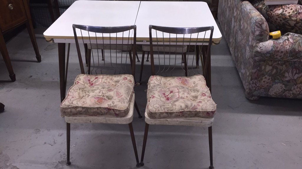Mid Century Modern Table with 4 Chairs - 3