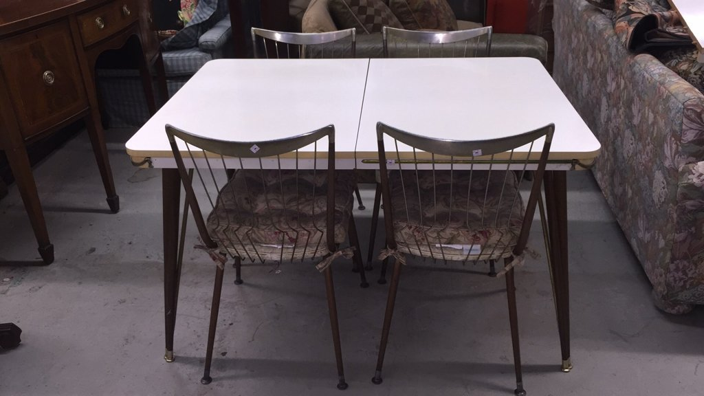 Mid Century Modern Table with 4 Chairs - 4
