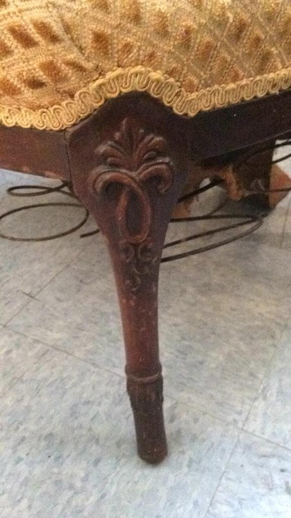 vintage carved wood frame arm chair - 6