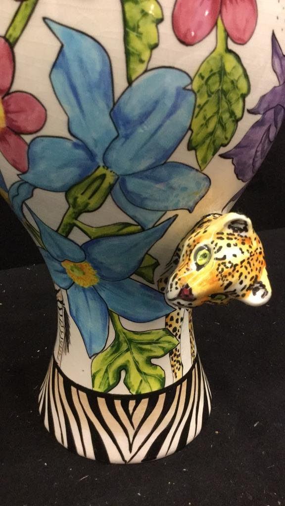 Hand Painted Africa Vase with 3D flora and Fauna - 4