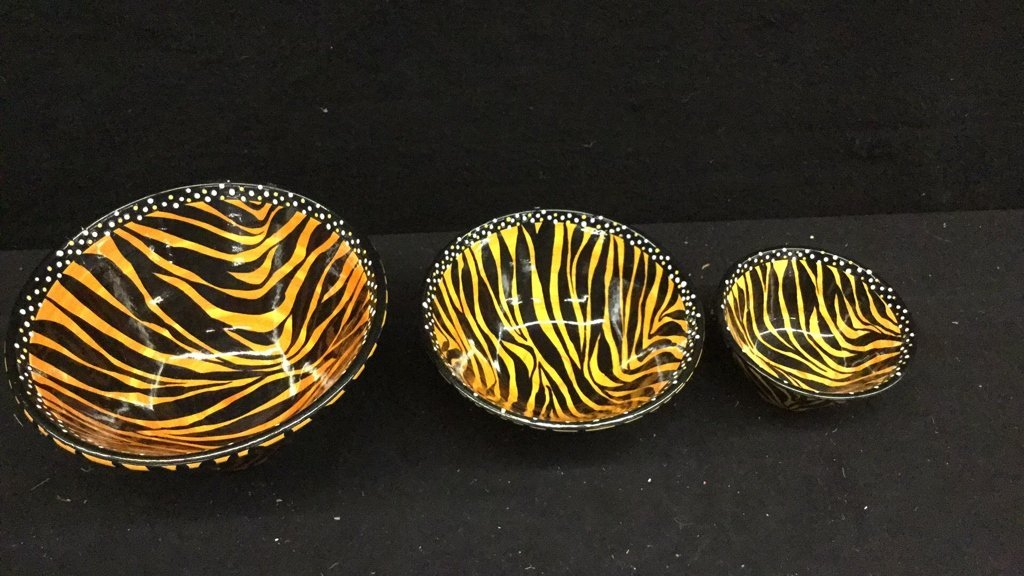 5 Hand Paired Striped African Dishes - 4