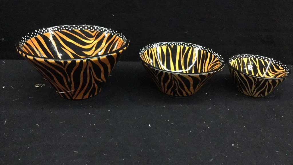 5 Hand Paired Striped African Dishes - 5