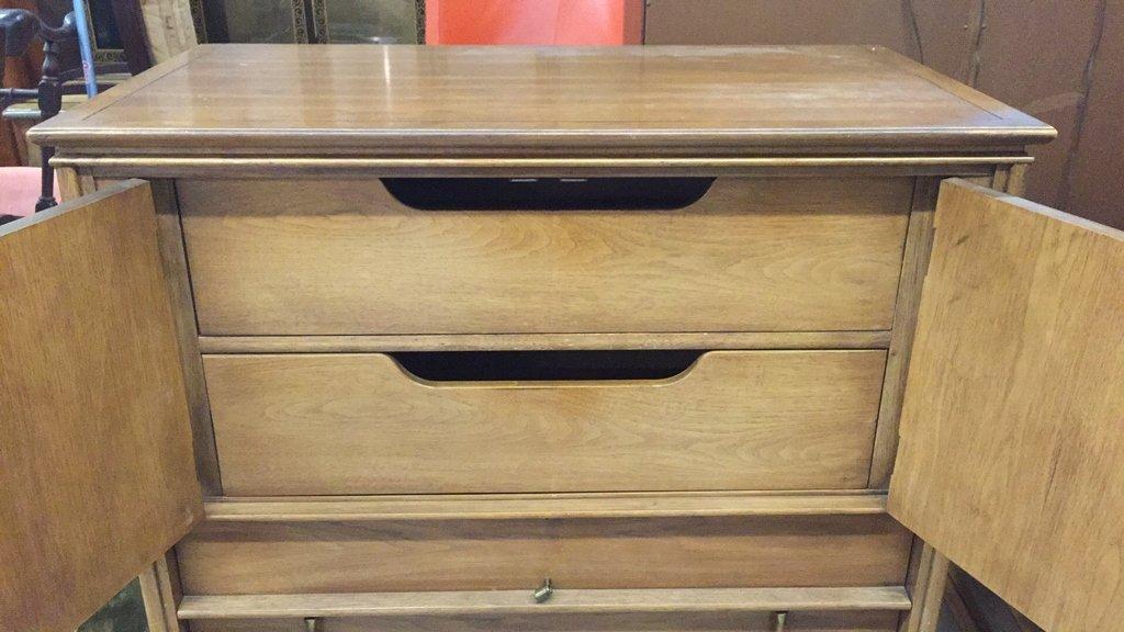 THOMASVILLE Tamerlane Multi Drawer Dresser - 3