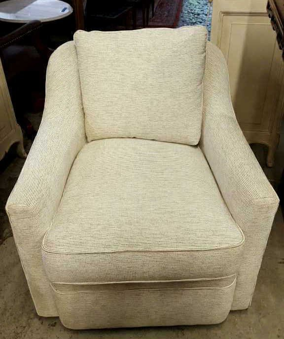 COUNTRY WILLOW Barrel back Swivel Chair