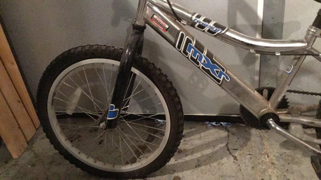 Kids MXR RALEIGH BMX Style Bike - 4