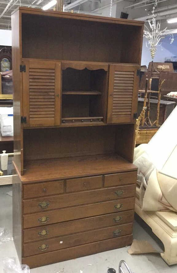 Ethan Allen Chest of Drawers with Hutch