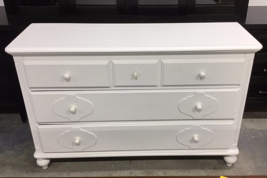 SMARTSTUFF White Painted Dresser Country Willow