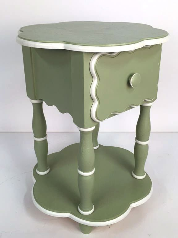 Charming Hand Painted Scalloped Edge Table