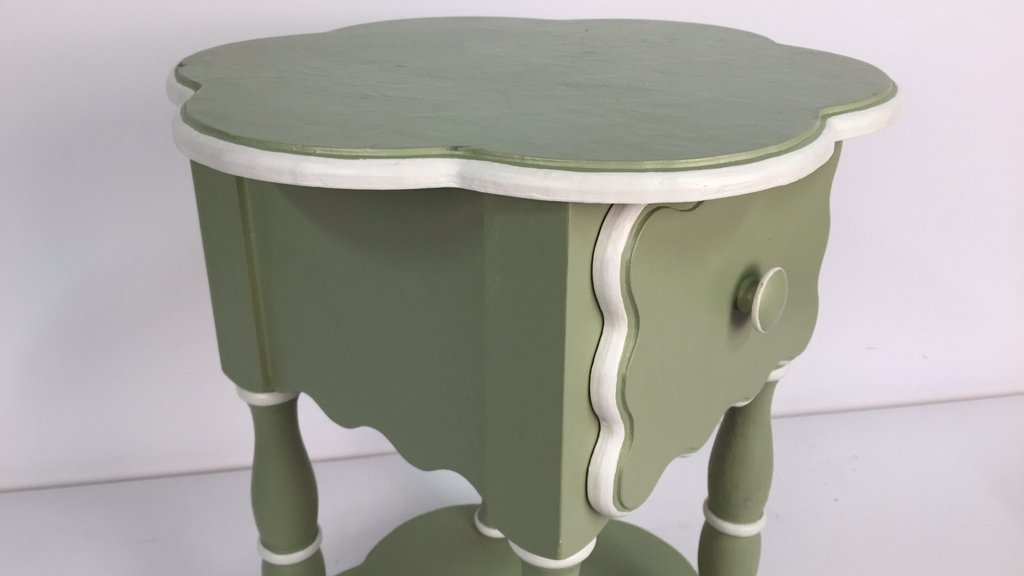 Charming Hand Painted Scalloped Edge Table - 3