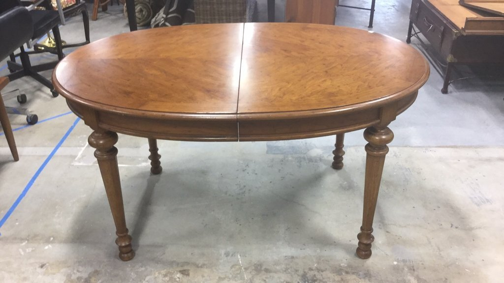 Wood Dinning Table With 2 Leaves - 3