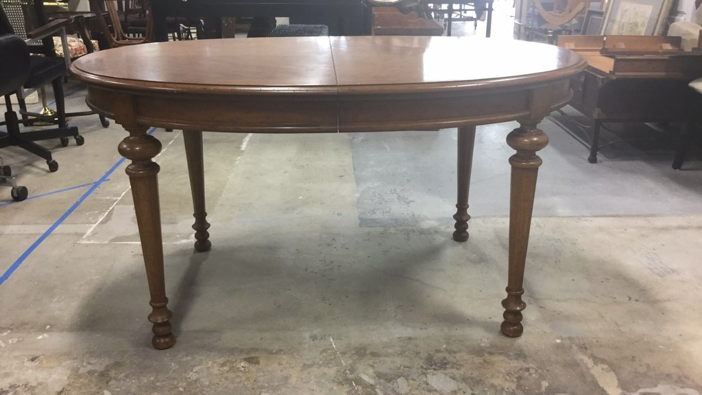 Wood Dinning Table With 2 Leaves - 5