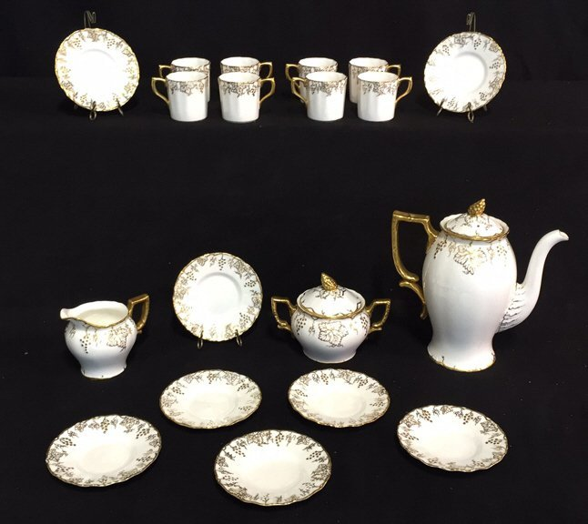 ROYAL CROWN DERBY Tea Set VINE