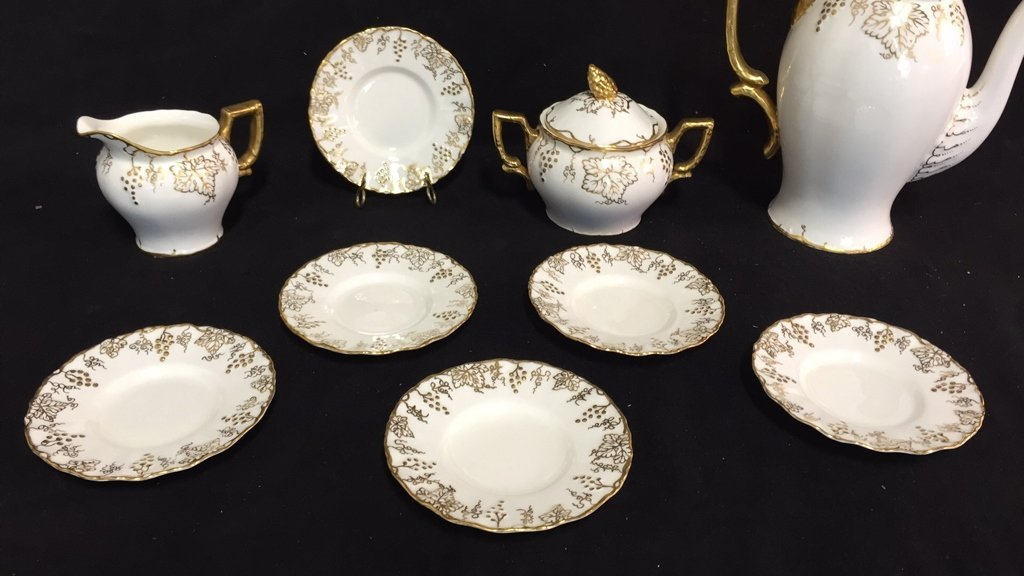ROYAL CROWN DERBY Tea Set VINE - 2