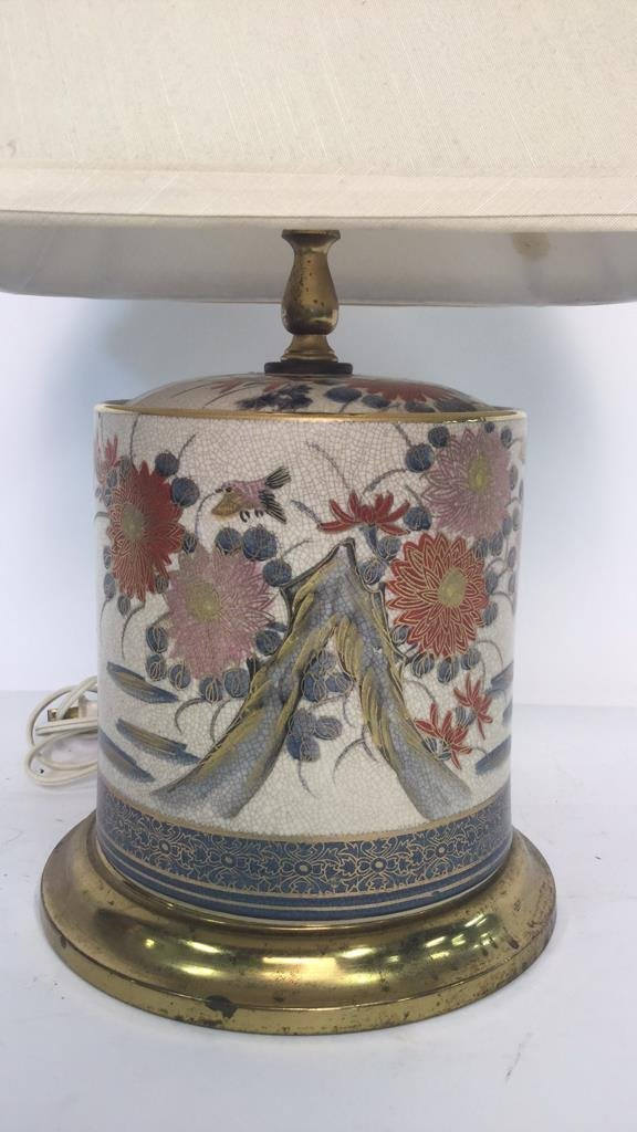 2 Gold Painted Vintage Lamps - 7