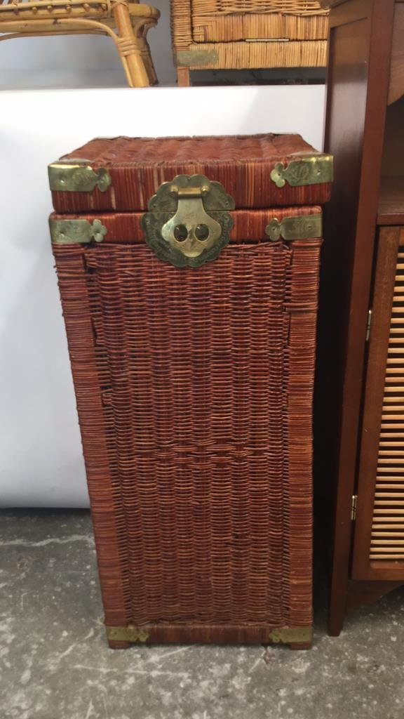Group Lot 6 Woven Style Side Tables - 2