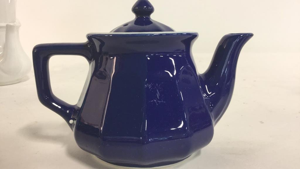 Group HALL trademarked tea pots and more - 4