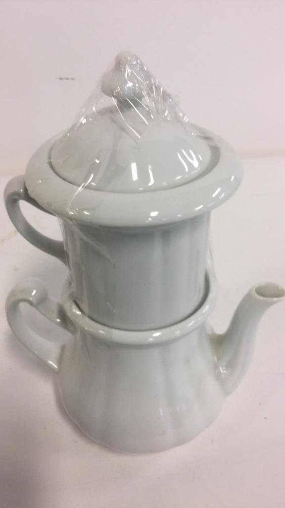 Group HALL trademarked tea pots and more - 9