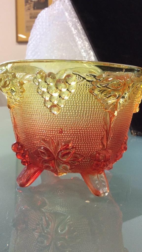 3 vintage colored glass pieces - 6