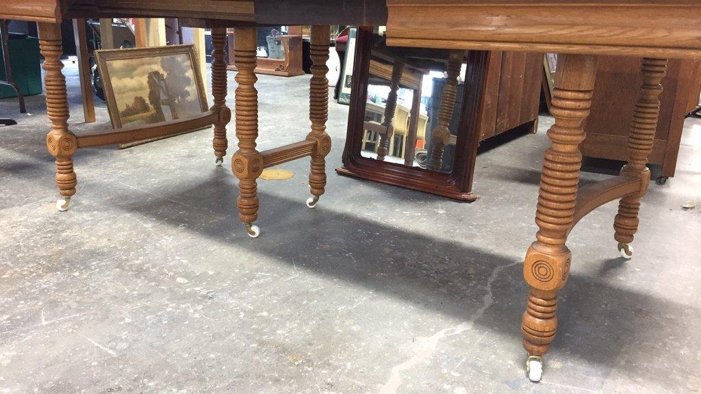 Oak BOBBIN-turned Leg Dining Table - 2