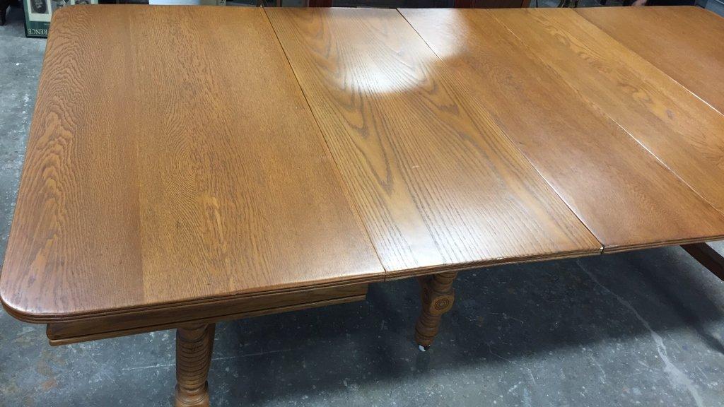 Oak BOBBIN-turned Leg Dining Table - 5
