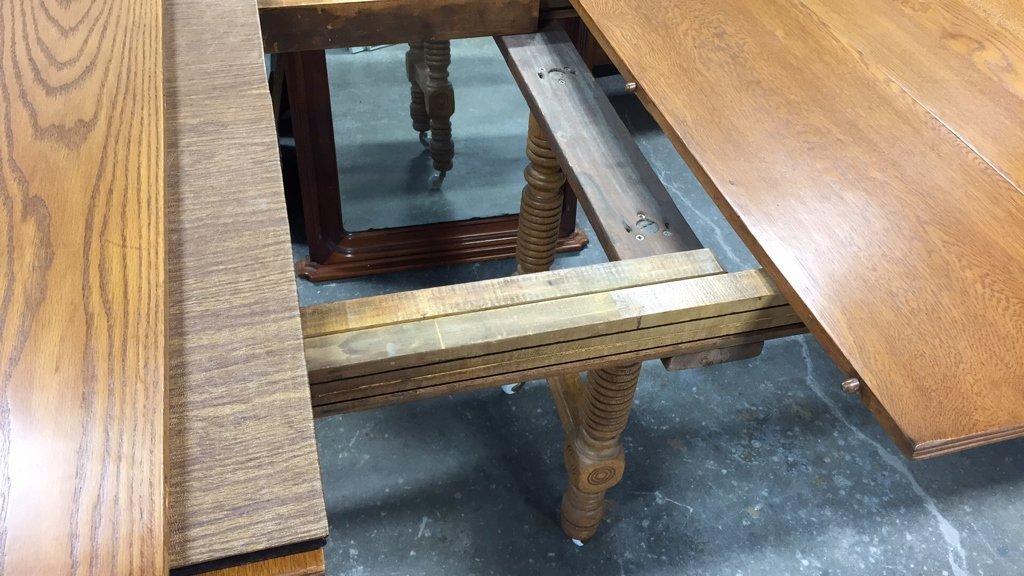 Oak BOBBIN-turned Leg Dining Table - 6