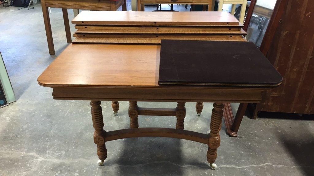 Oak BOBBIN-turned Leg Dining Table - 9