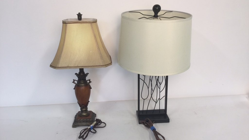 Group Lot 2 Lamps - 9