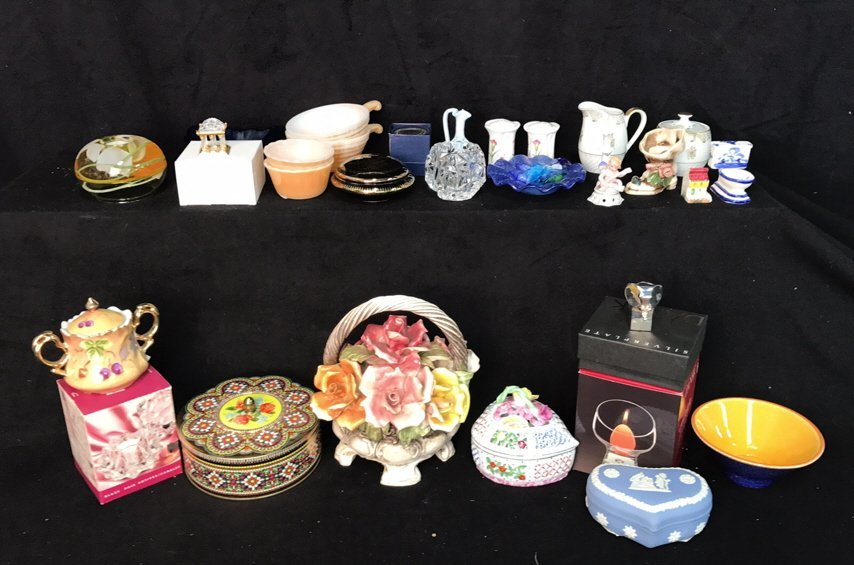 29 Piece Mini Decorative Items