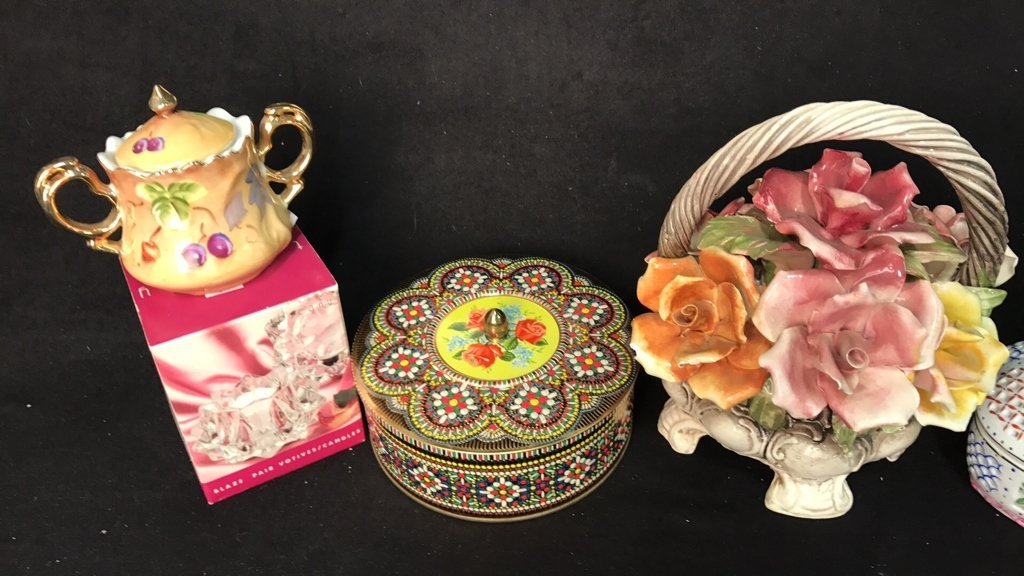 29 Piece Mini Decorative Items - 7