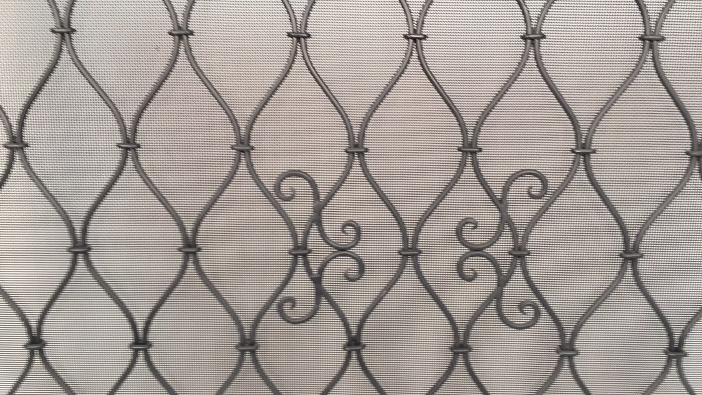Diamond Weave Design Wrought Iron Fireplace Screen - 4
