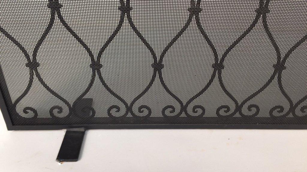 Diamond Weave Design Wrought Iron Fireplace Screen - 7