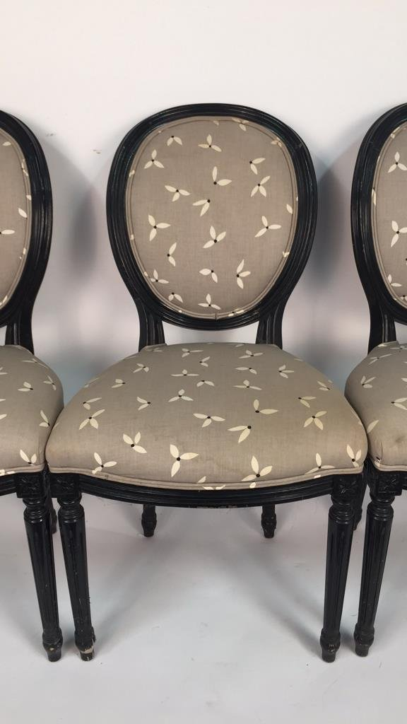 Set of 4 Upholstered Federal Oval Style Chairs - 4