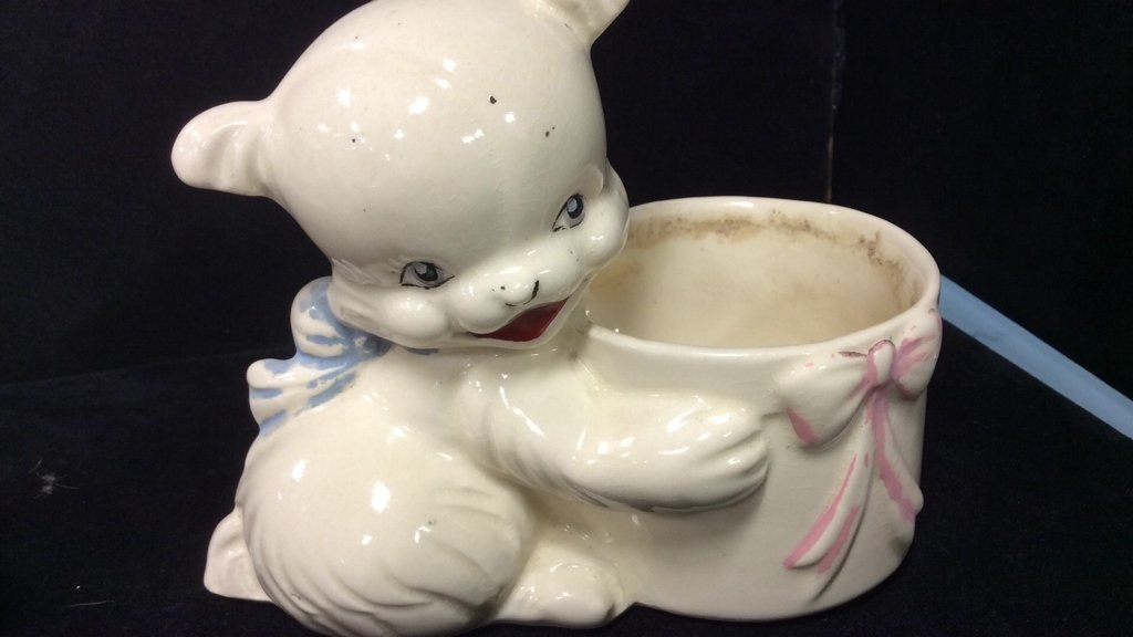 Vintage pink white red pottery group lot - 9