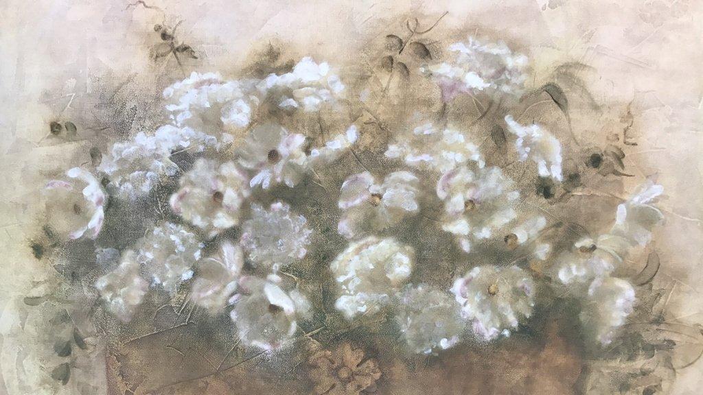 BLUM Signed White Floral Bouquet - 4