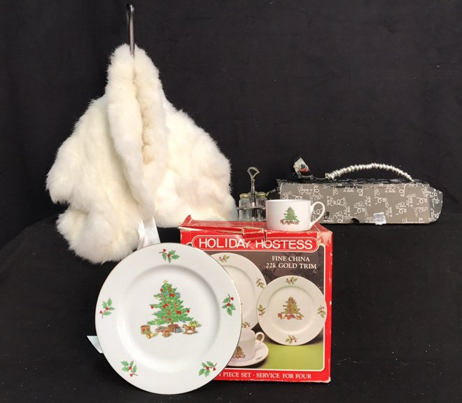 Group Lot Holiday Dishes Plus