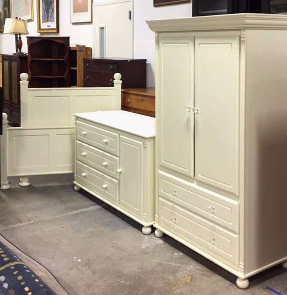 BELLINI Ivory Twin Plus Trundle Bedroom Set