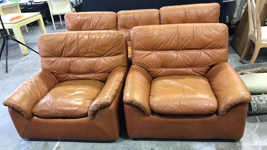 Set Upholstered Sofa & Club Chairs