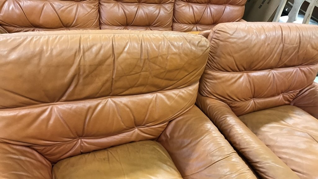 Set Upholstered Sofa & Club Chairs - 6