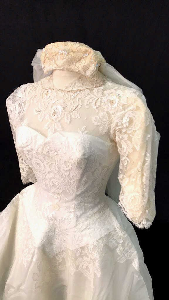 Bergdorf Goodman 1959 Bridal Gown - 2