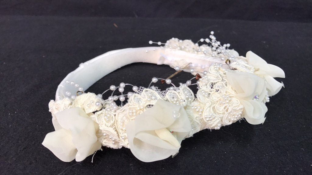 Lace Trimmed Bridal Veil Pearl Floral Band - 8