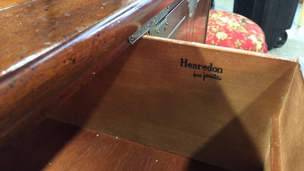 Vintage HENREDON Buffet Console Table - 5
