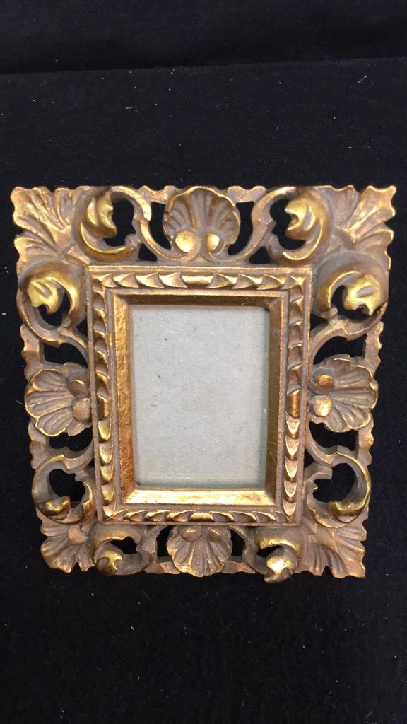 Group Lot Of Assorted Picture Frames - 7